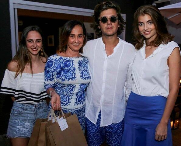 Isabel Teixeira de Mello, Bebel Niemeyer, Pedro Rosman e Maria Frering