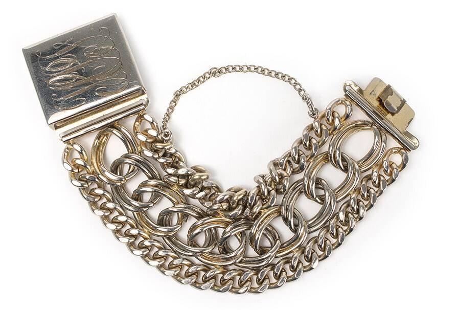 Pulseira em metal banhado a ouro. Valor inicial de R$ 1 mil  /Foto: Reprodução