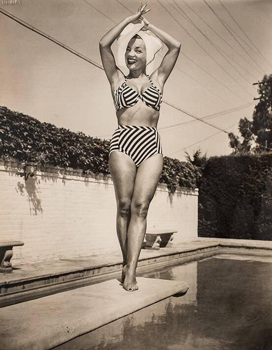 Raríssima foto na casa de Beverly Hills, no dia 7 de agosto de 1947. Valor inicial de R$ 600 /Foto: Reprodução
