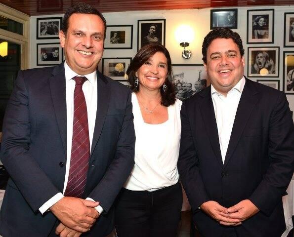 Eduardo Maneira, Rosara Oliveira Maneira e Felipe Santa Cruz