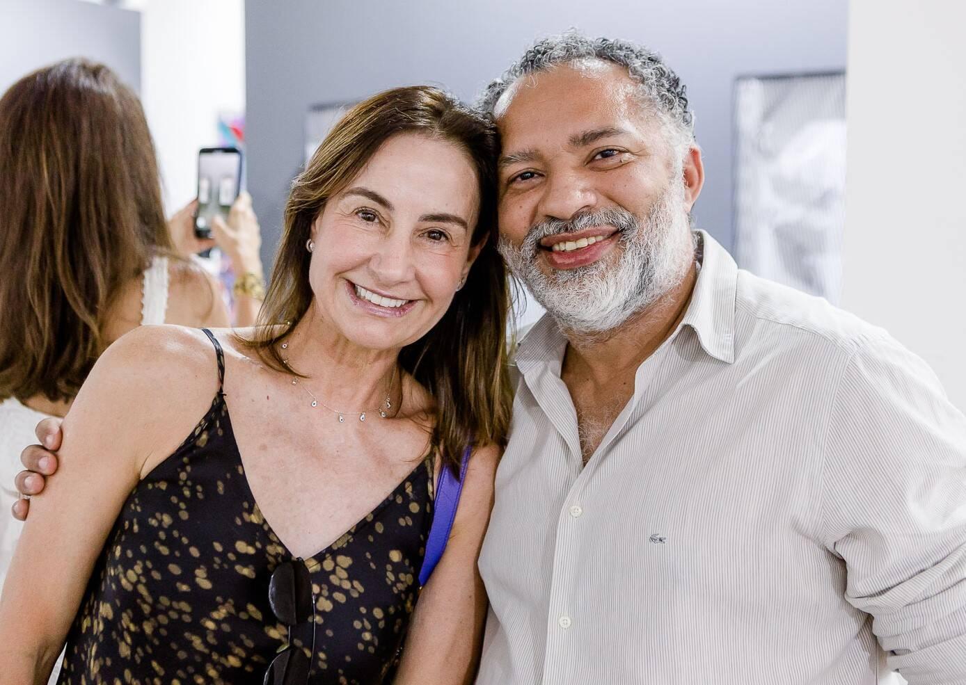 Carol Gayoso e DJ Papagaio /Foto: Bruno Ryfer, Miguel Sá e Túlio Thomé
