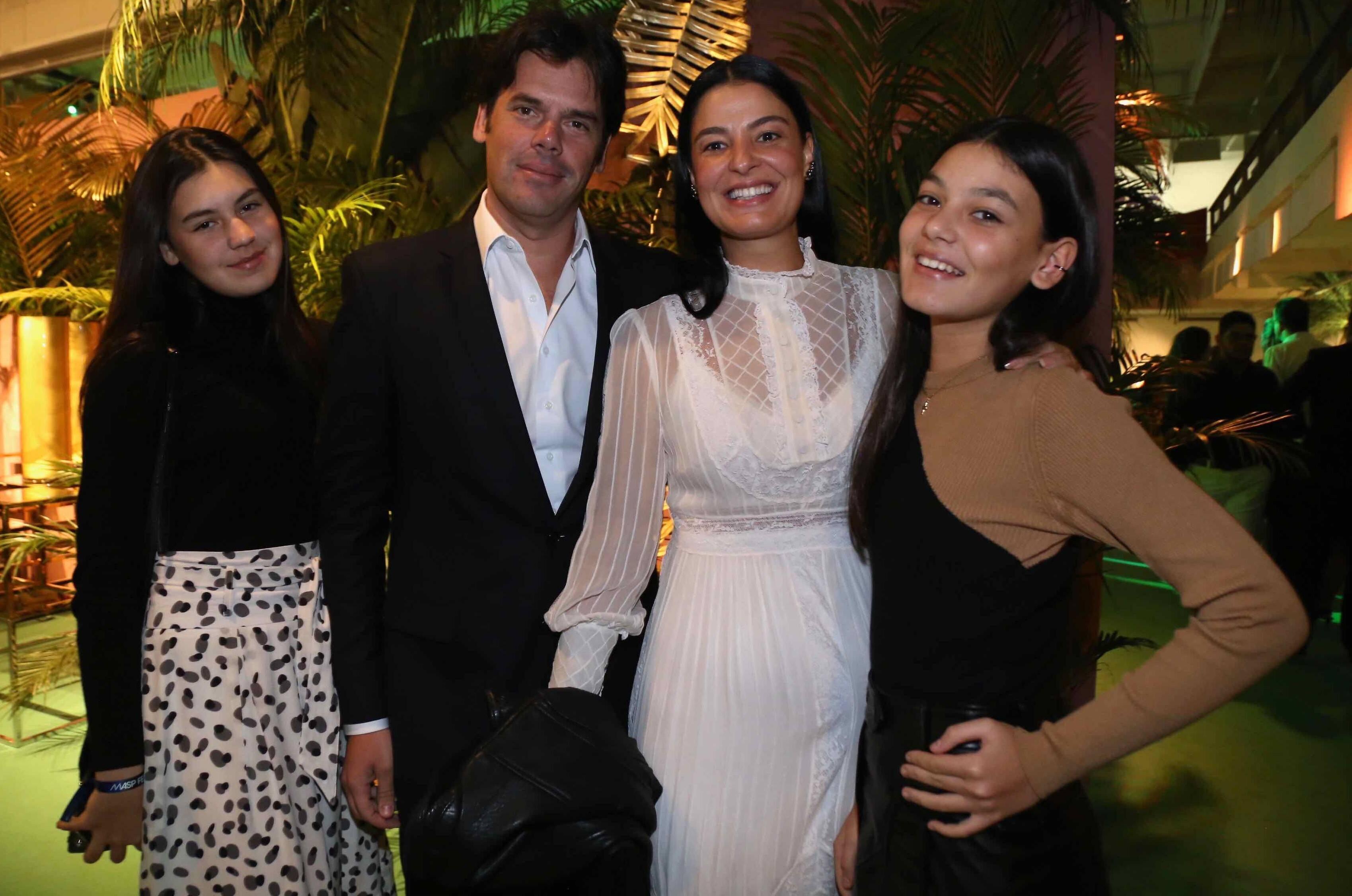 Maria Antonia, Igor, Maria Fernanda e Maria Julia Pinheiro  /Foto: Denise Andrade