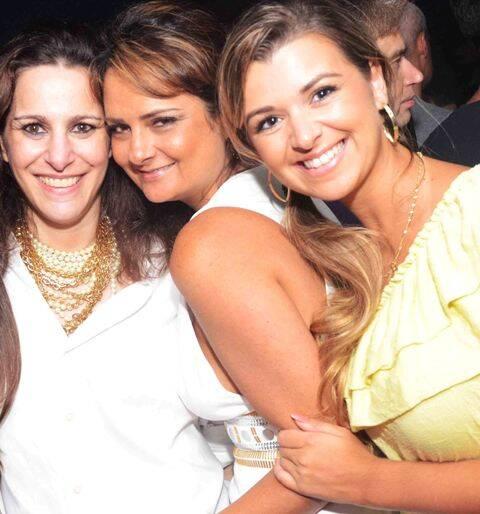 Galerias lu lacerda ig for Miroir nightclub rio
