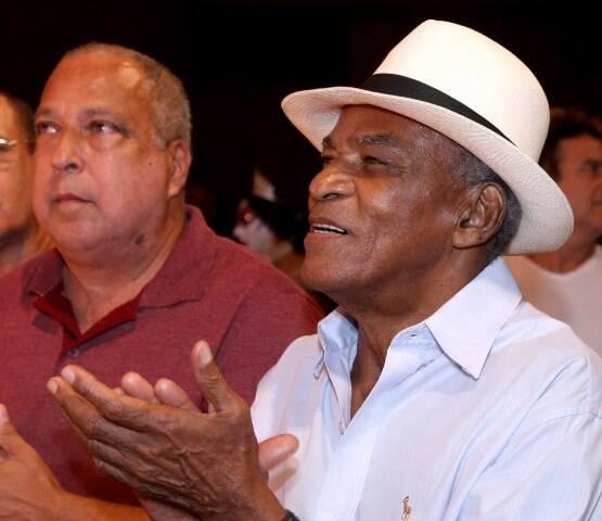 Sombrinha e Antônio Pitanga