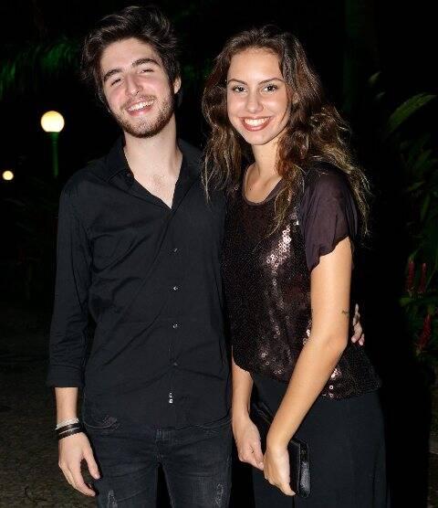 Tauan Abreu e Julia Tonon