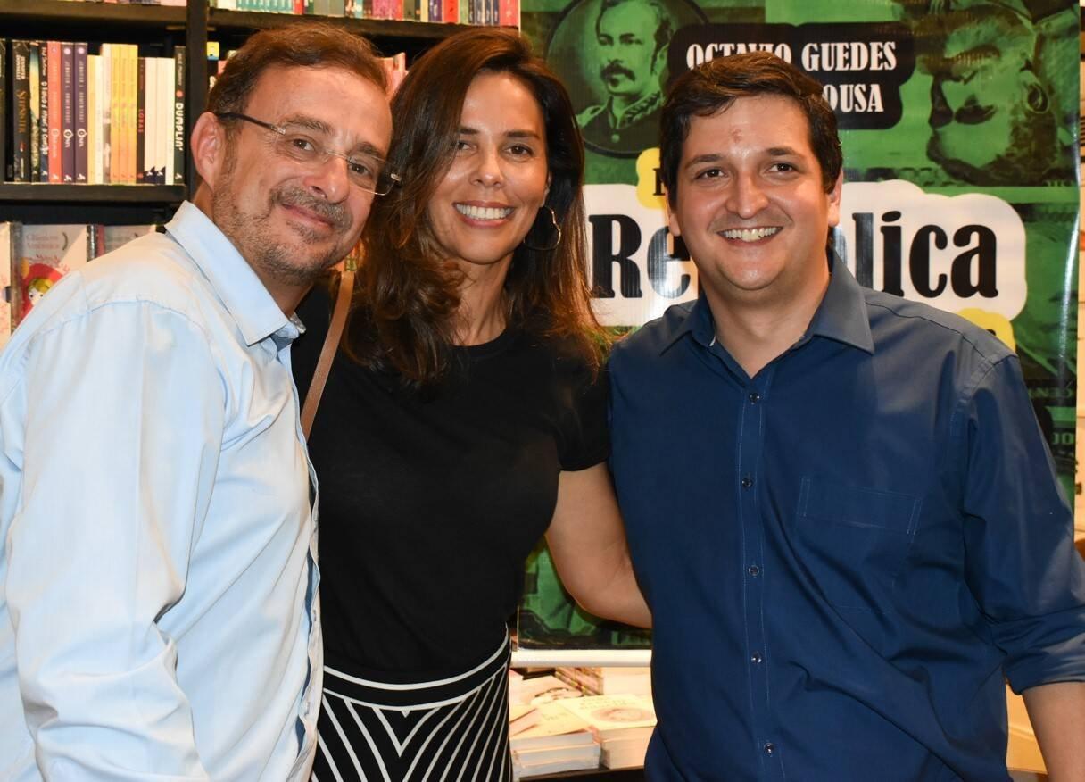 Octavio Guedes, Vanessa Bueno e Daniel Sousa /Foto: Cristina Lacerda