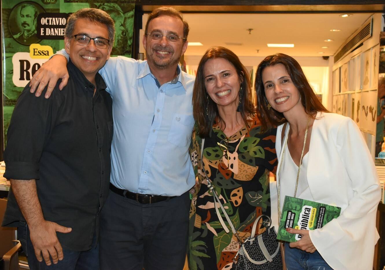 Gustavo Gavina, Octavio Guedes, Claudia e Denise Almada  /Foto: Cristina Lacerda