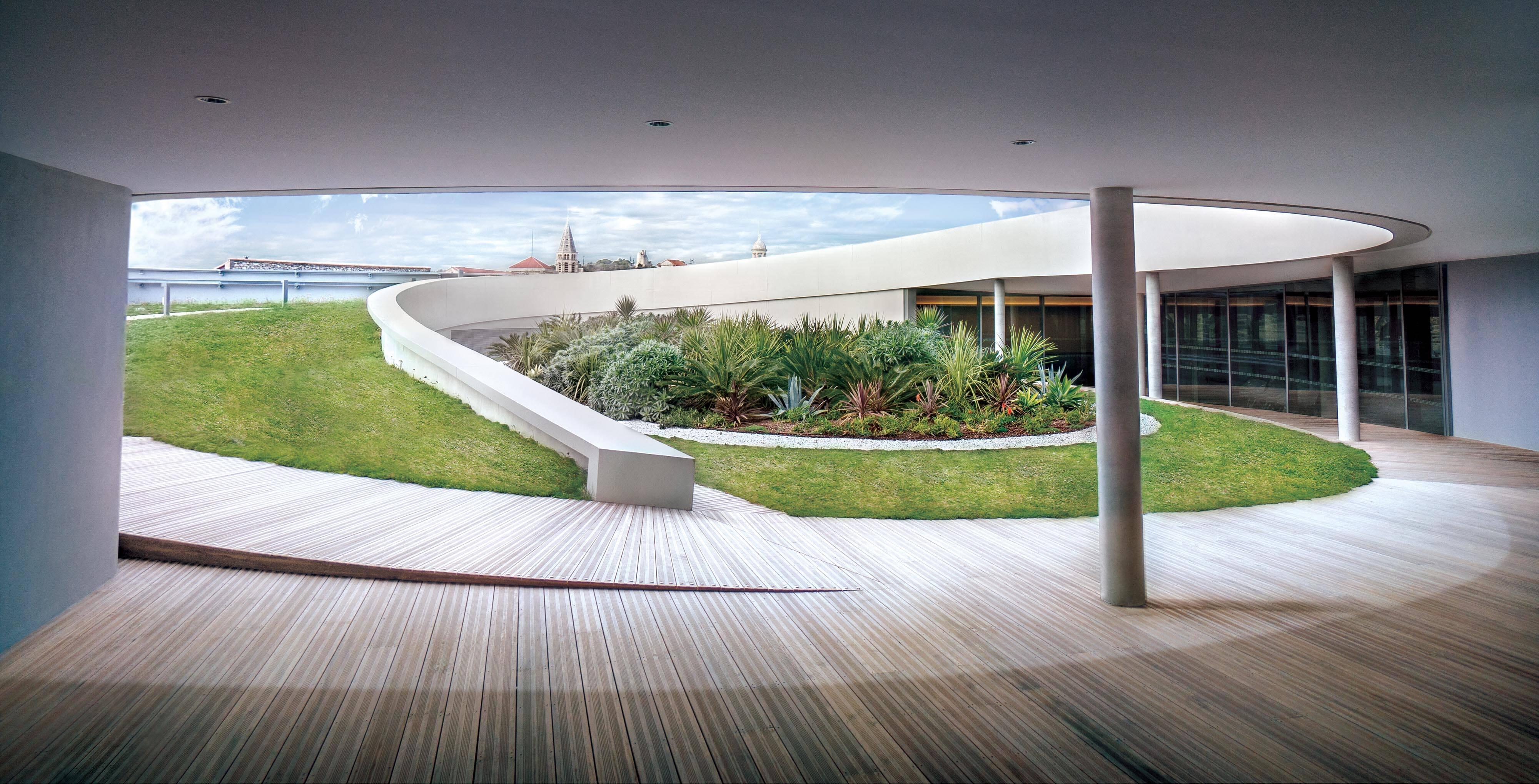 O terraço do Musée de La Romanité /Foto: Serge Urvoy