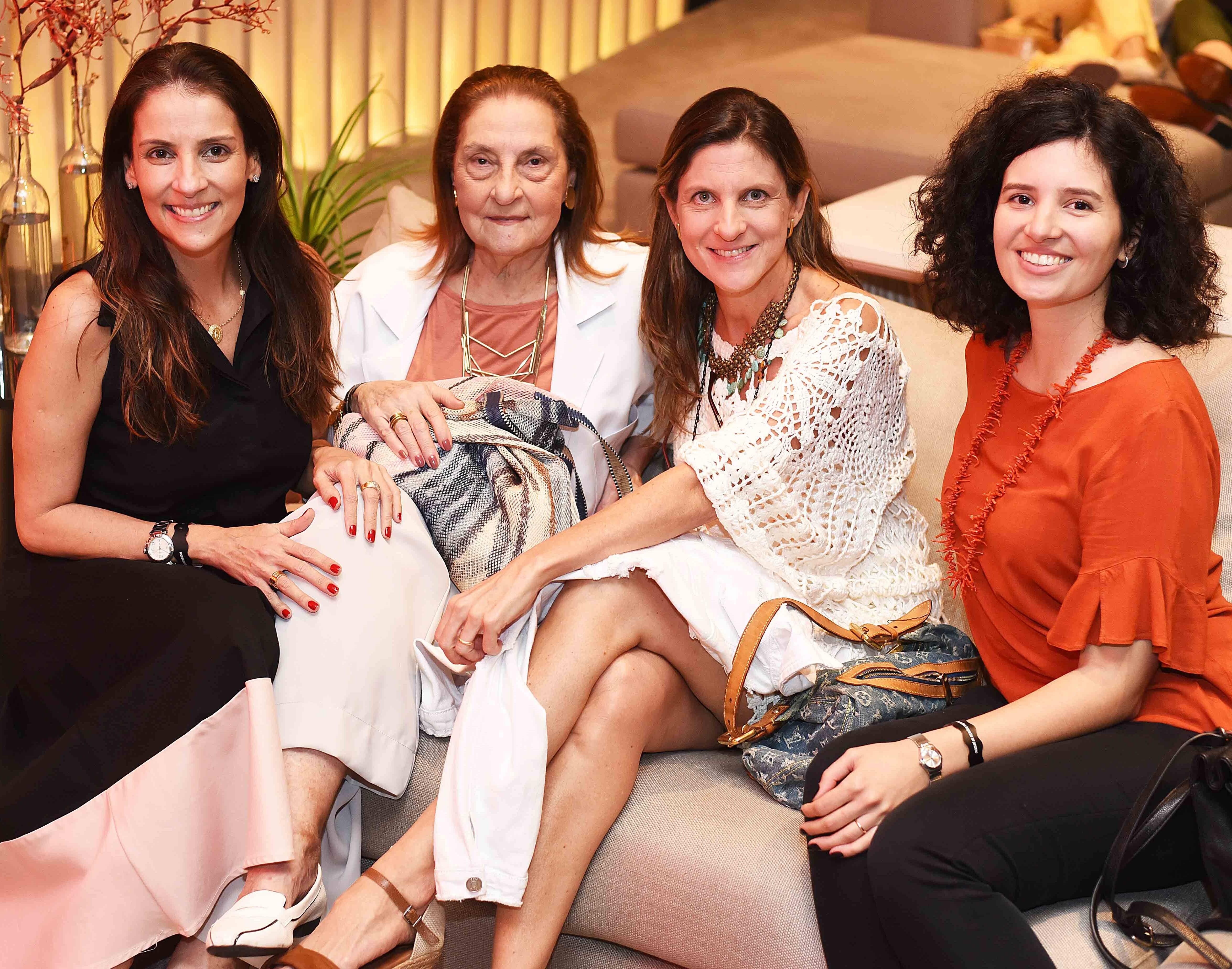 Laura Paes, Zélia Fernandes, Patricia Salamonde e Bibiana Macedo /Foto: Ari Kaye