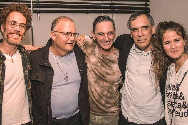 Nando Reis, Guilherme Arantes, Paulo Miklos, Arnaldo Antunes e Ana Cañas