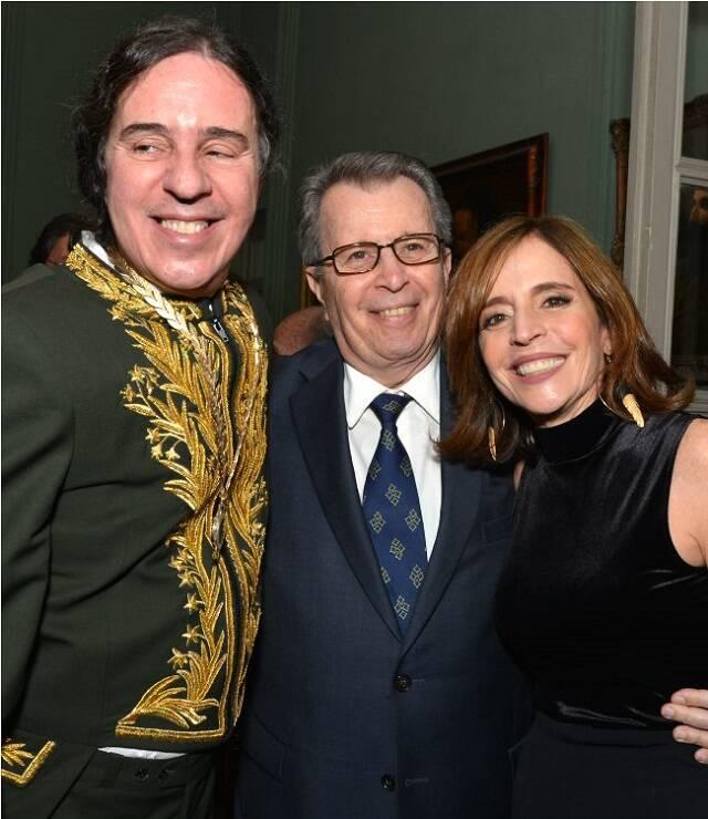 Geraldinho Carneiro com o casal Daniel Filho e Olivia Byington