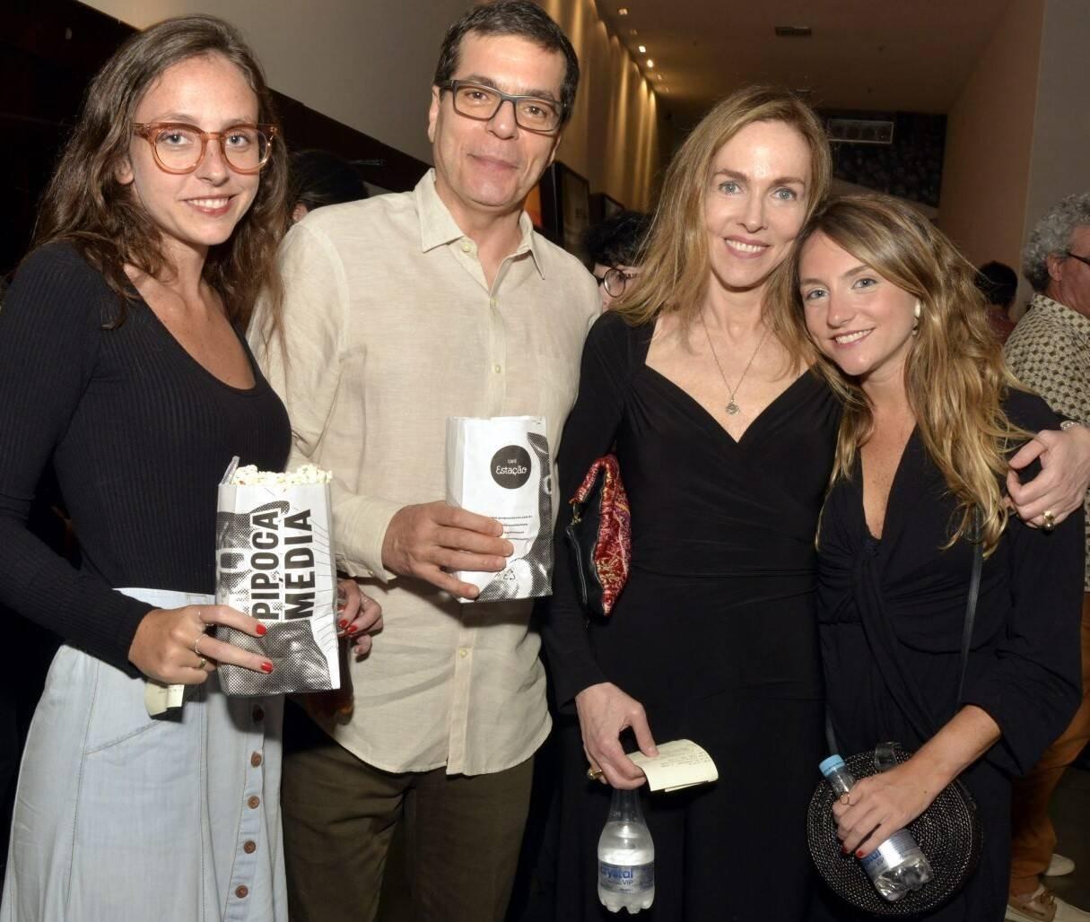 Sofia Kogut, Ali Kamel, Patricia e Alice Kogut /Foto: Cristina Granato
