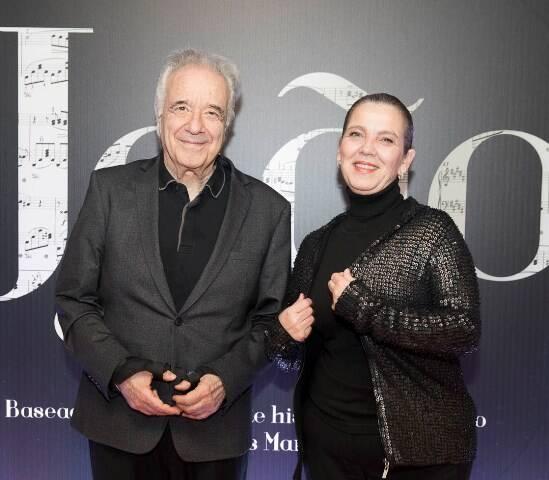 João Carlos Martins com a mulher Carmen Silvia Valio de Araújo