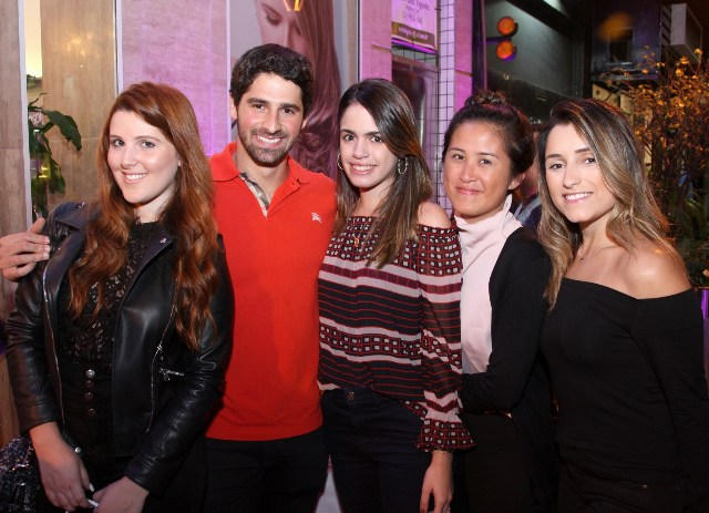 Gabriela Icarelli, Jc Lopes, Rafaela Muller, Diana Hsu e Ana Clara