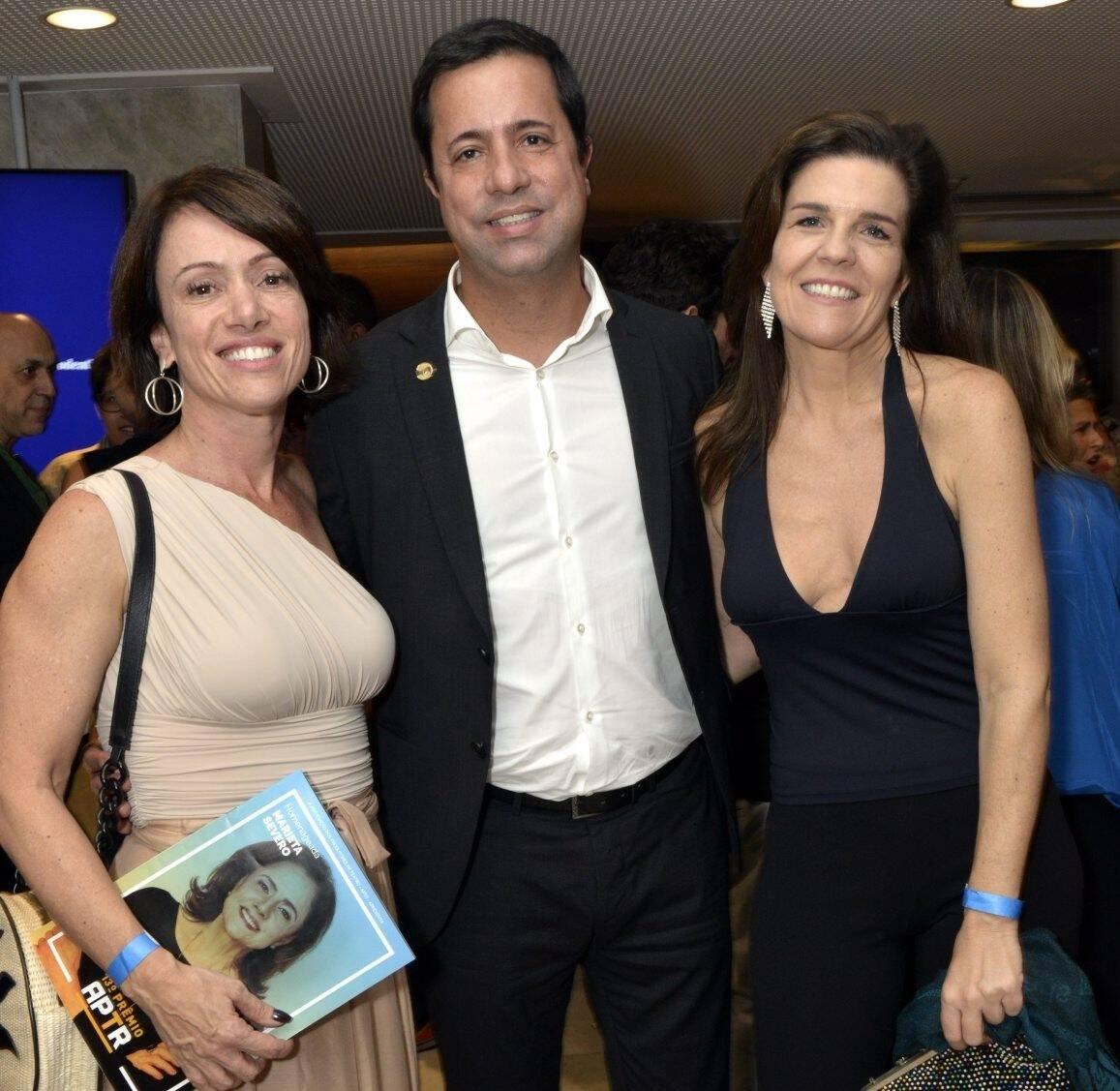 Bel Kutner, Eduardo Wanderley e Luiza Thiré  /Foto: Cristina Granato