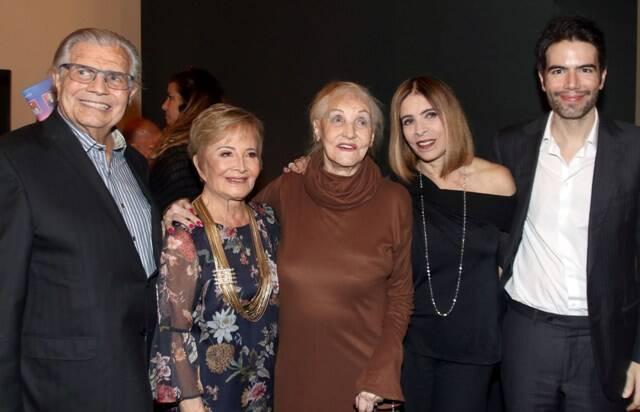 Tarcísio Meira, Glória Menezes, Monah Delacy, Liège Monteiro e Luiz Fernando Coutinho