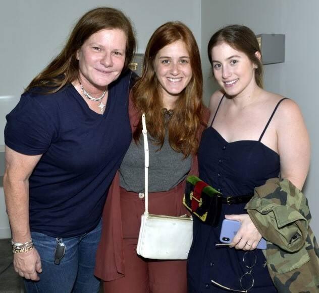 Maria Geyer com as filhas, Cecília e Patricia /Foto: Cristina Granato