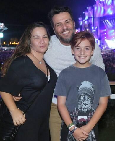 O casal Rodrigo Lombarbi e Betty  Baugarten com o filho,  Rafael Lombardi  /Foto: Reginaldo Teixeira