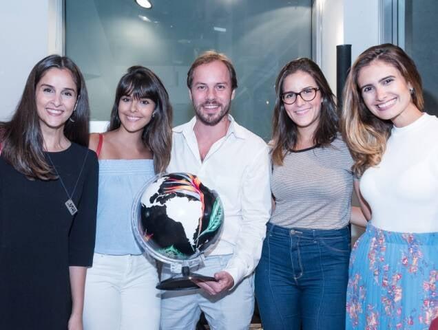 Thais Simonassi, Camila Senna, Marcos Palma, Julia Souto e Rafaela Lacerda