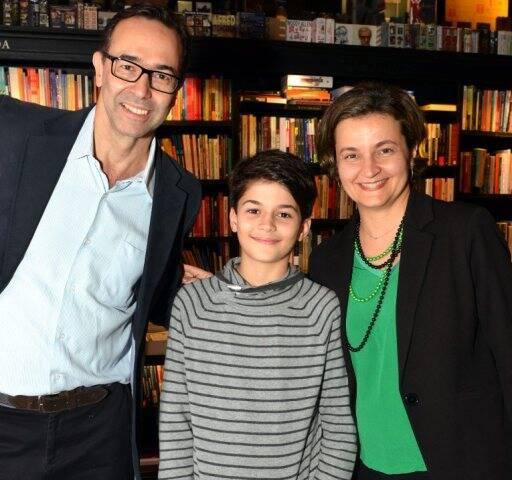Edmilson Ávila, João Pedro e Giuliane Calvi