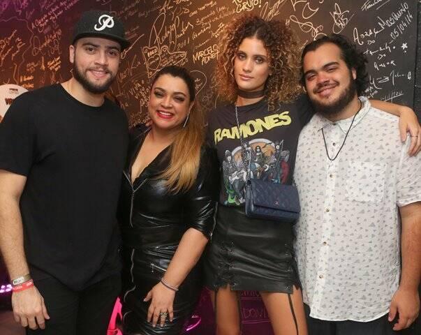 Rodrigo Godoy, Preta Gil, Laura Fernandez e Francisco Gil