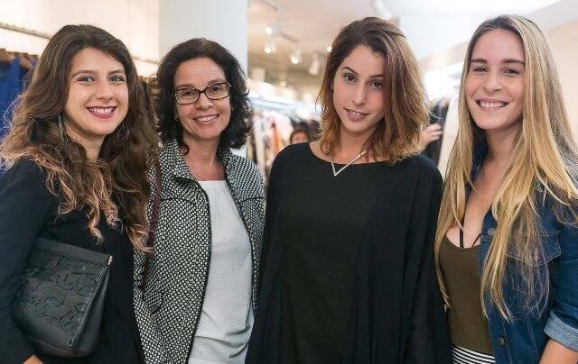 Aisha Jacob, Lili Lattuca, Ana Rios e Juliana Lattuca