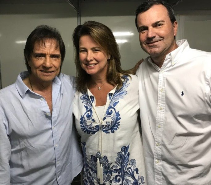 Roberto Carlos com  o casal Veronica Nieckle e Cesar Ramos Filho