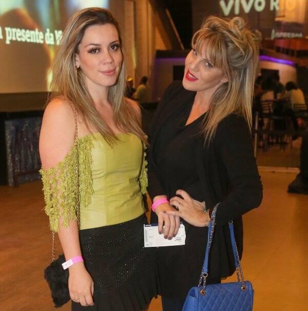A violinista Daiana Mazza e DJ Scarlet