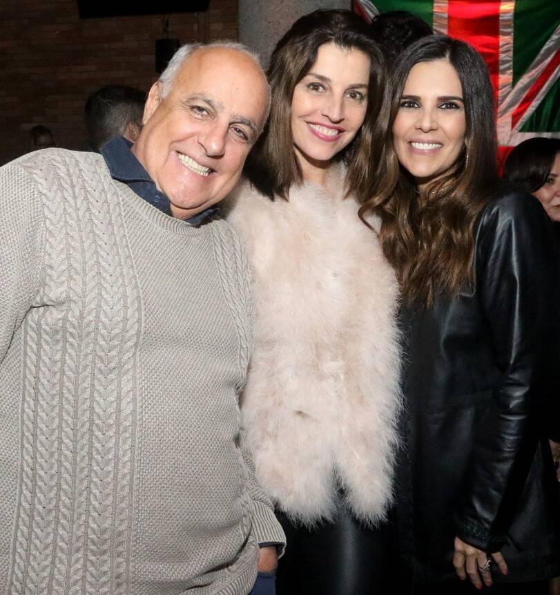 Roberto e Verena Maciel com Claudia Roamno /Foto: Reginaldo Teixeira