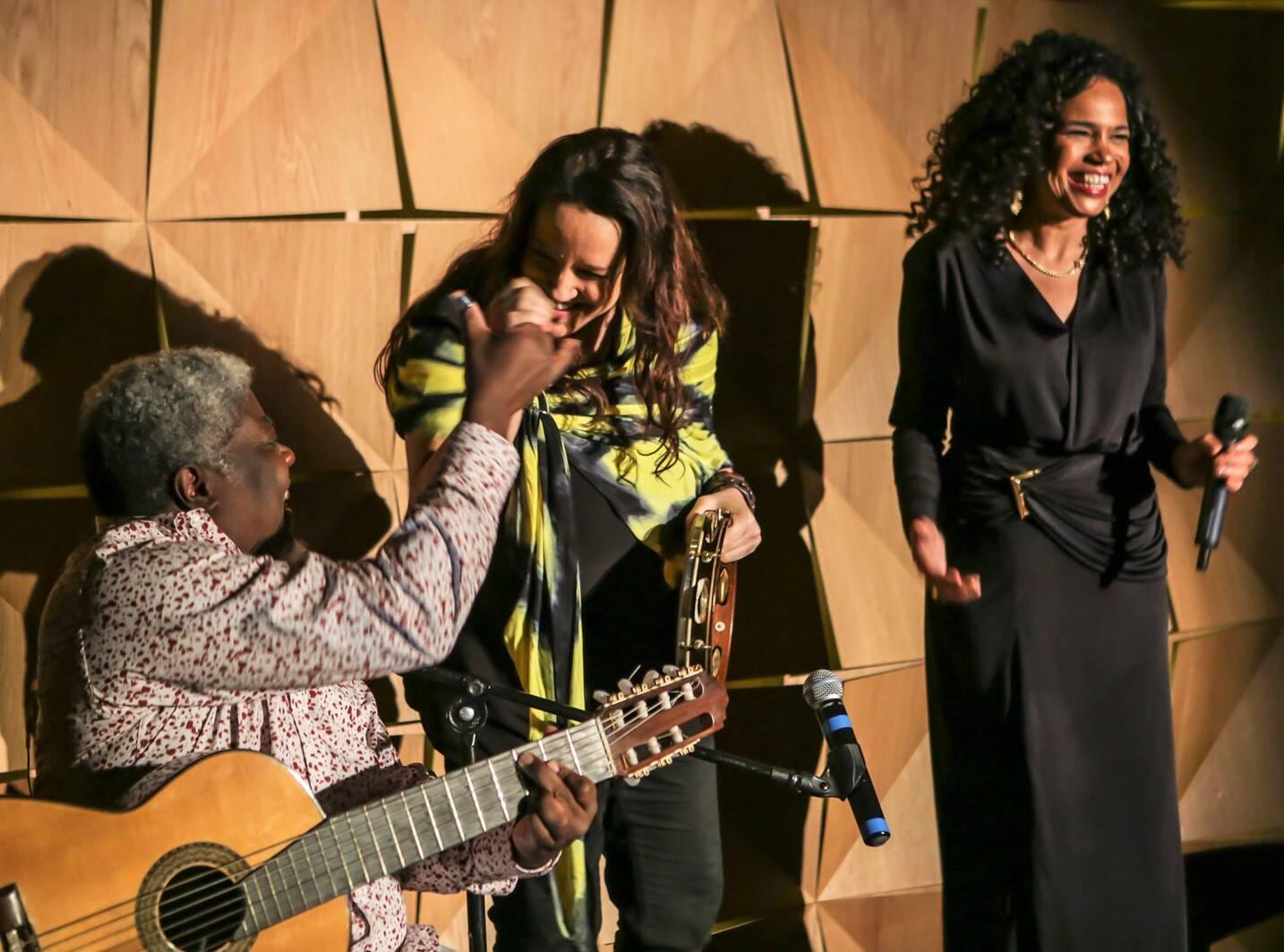 Carlinhos 7 cordas ,Ana Carolina e Teresa Cristina  /Foto: Gianne Carvalho