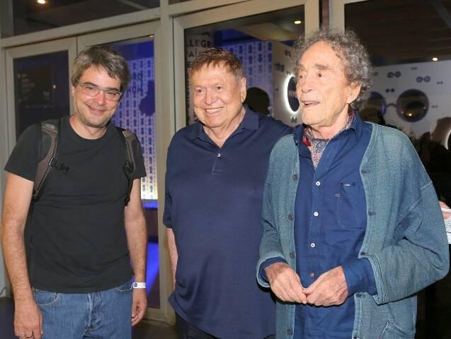 Andrucha Waddington, Boni e André Midani