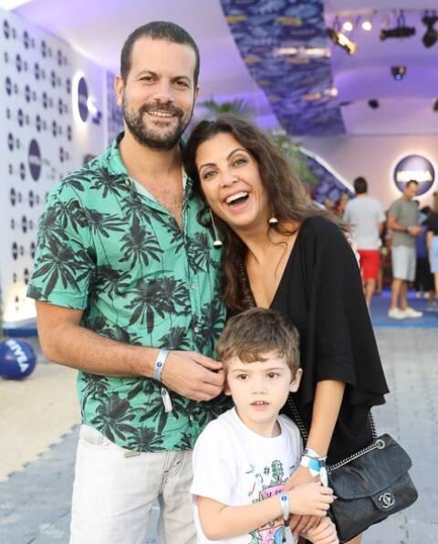Daniel Lopes com o filho Angelo e Thalita Rebouças
