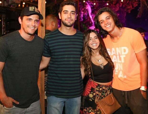 Bruno Gissoni, Miguel Rômulo, Giovanna Lancelotti e Rodrigo Simas