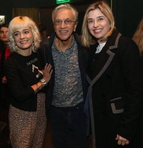 Karine Carvalho, Caetano Veloso e Mylena Ciribelli