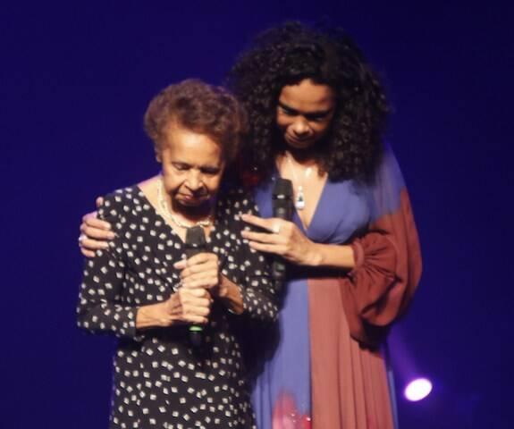 Dona Hilda e Teresa Cristina