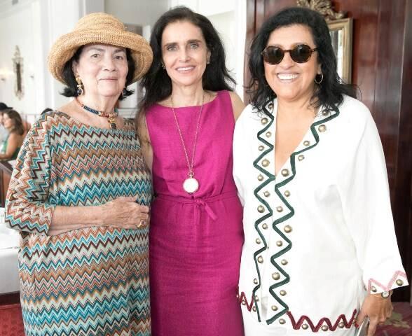 Laís Gouthier, Verônica Dantas e Regina Casé