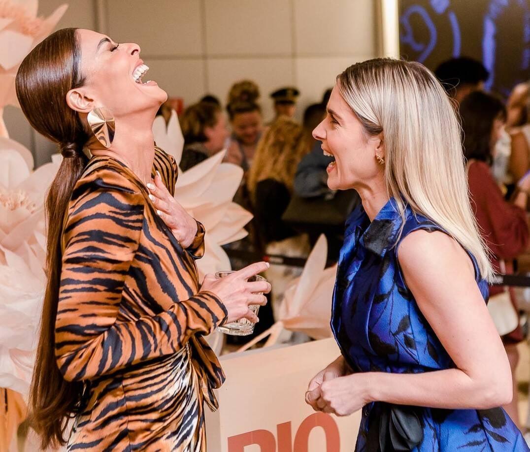 Juliana Paes e Monique Alfradique /Foto: Bruno Ryfer