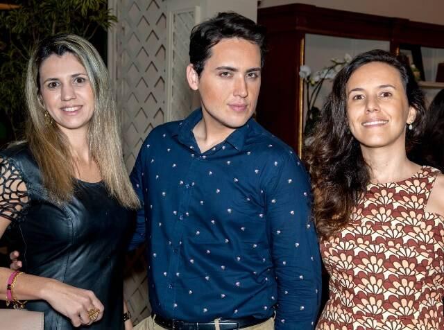 Caroline Panizza, Alain Branco e Roberta Oliveira