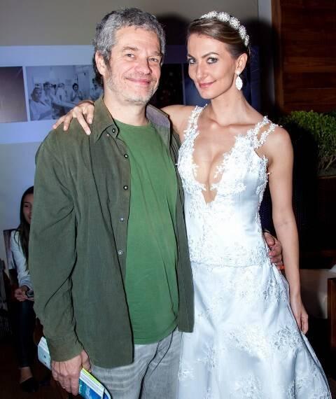 Joaquim Nabuco e Deise Krieger, contratada para desfilar vestida de noiva