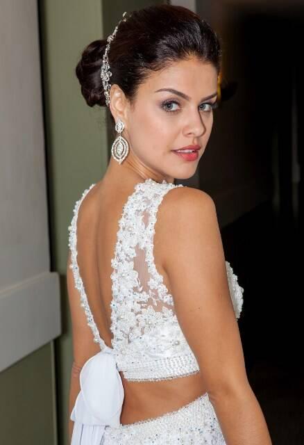 Paloma Bernardi, contratada para desfilar vestida de noiva