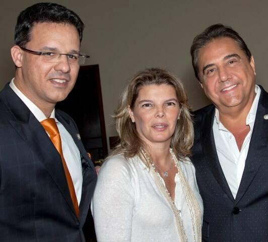 Ricardo Pereira com Cristiane e Eduardo Guinle