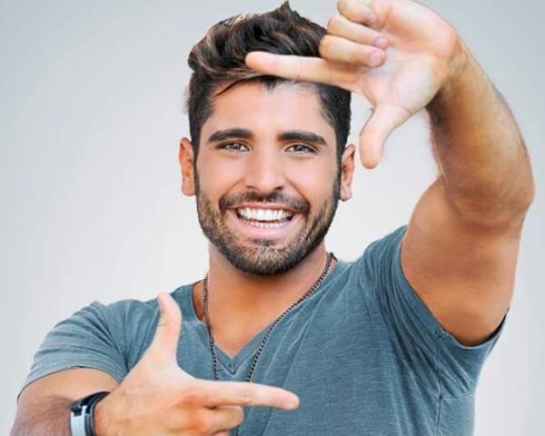 João Gabriel se despede no Zozô, na Urca, para estreiar na Europa.