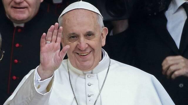 Papa Francisco: preços da Rua Pinheiro Machado faria Sua Santidade rodar o seu Anel de Pescador pra lá e pra cá - de nervoso! Foto: IG