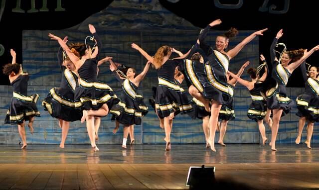 Uma celebração à vida através da dança / foto: Mônica Hauser