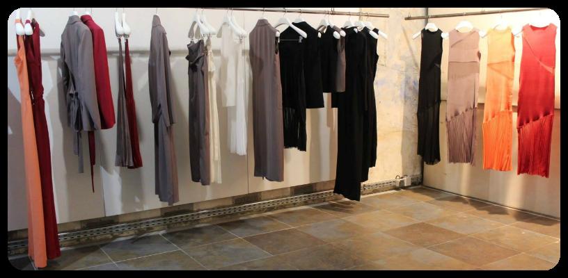 Barbara Casasola, que foi assistente de moda feminina da marca Roberto Cavalli, ainda na sua graduação em moda, em Milão, desenvolve suas coleções na Itália, embora seu escritório esteja sediado em Londres / Fotos: Gerson Lírio