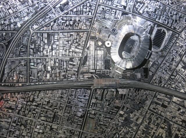 A obra de Damien Hirst deixou dúvidas no público se retratava o Maracanã ou o Engenhão - mas, segundo a galeria, o estádio é o João Havelange / Foto: Robson Silva