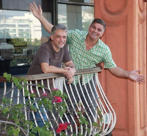 Fernando Molinari e Robert Guimarães na sacada do Città America, onde vão realizar o Hype Free Market uma vez por mês / Foto: divulgação