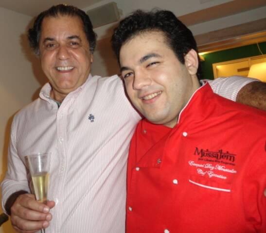Omar Catito Peres, o anfitrião, e a mais nova surpresa para seus convidados: o chef Ezequiel Mussalem / Foto: divulgação