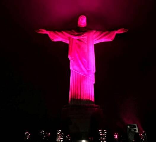 O monumento ao Cristo Redentor vai ficar rosa nesta sexta-feira, a partir das 18h / Foto: divulgação
