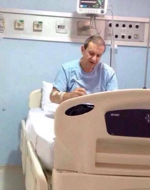 Alberto Youssef: a foto do doleiro no hospital Santa Cruz, em Curitiba, toma conta das redes sociais / Foto: reprodução Internet